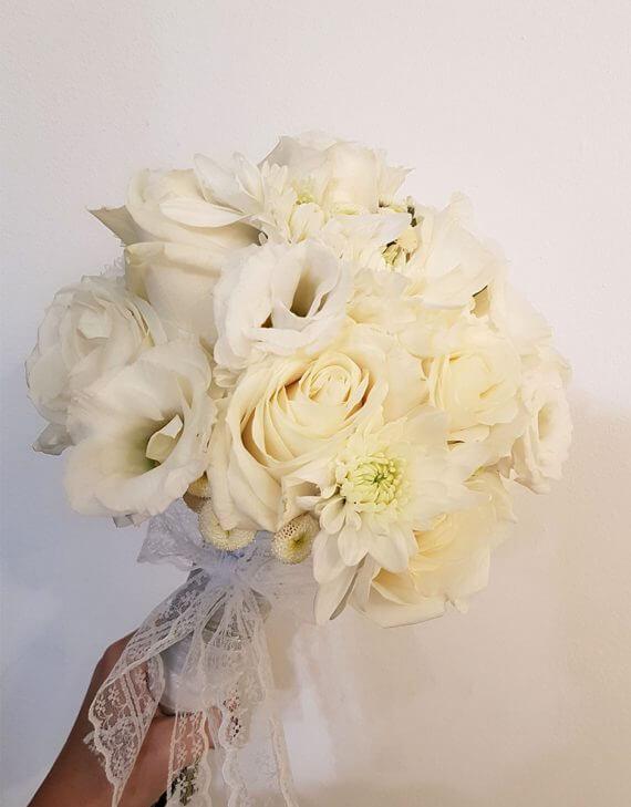 זר פרחים לבן לכלות