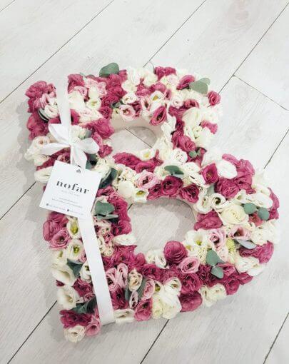 אותיות פרחים גדולים