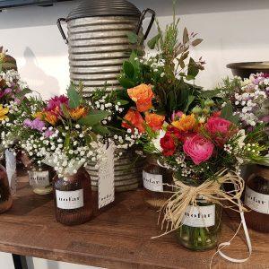 זר פרחים מתנה בחתונה
